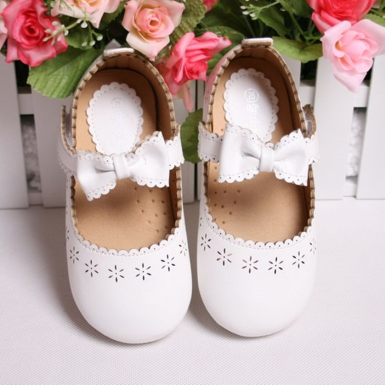 white-bow TOP 10 Stylish Baby Girls Shoes Fashion