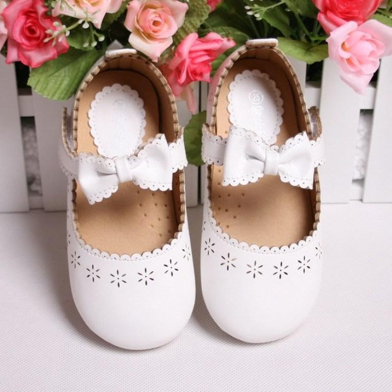 white-bow TOP 10 Stylish Baby Girls Shoes Fashion