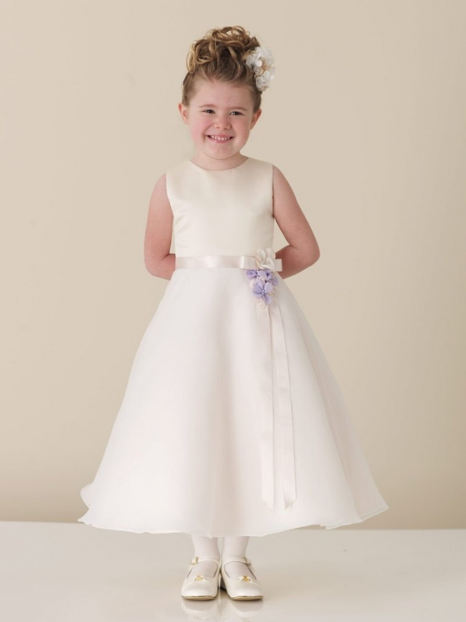 white-flower-girls-dresses-fashion Most Stylish and Awesome Party Clothing for Girls