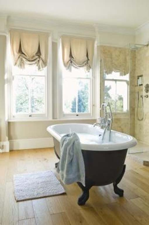 Window curtains ideas for bathroom interior decorating for Bathroom window curtains