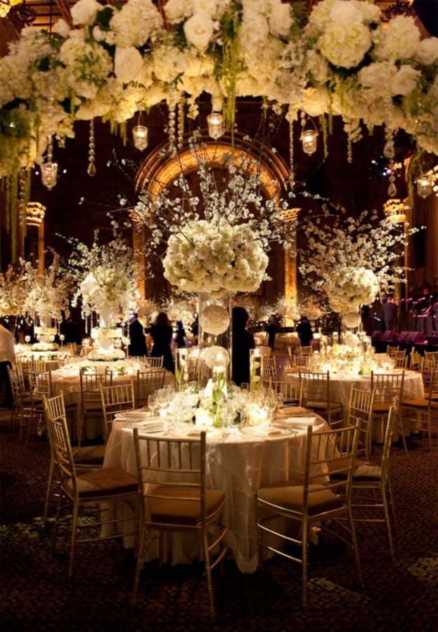 winter-wedding-centerpieces-1 50 Fabulous and Breathtaking Wedding Centerpieces