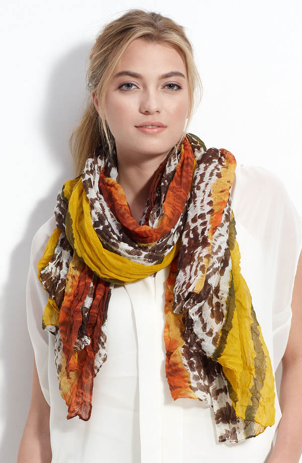 women-scarves-20111011-233 A Scarf Can Make Your Face Looks Glowing