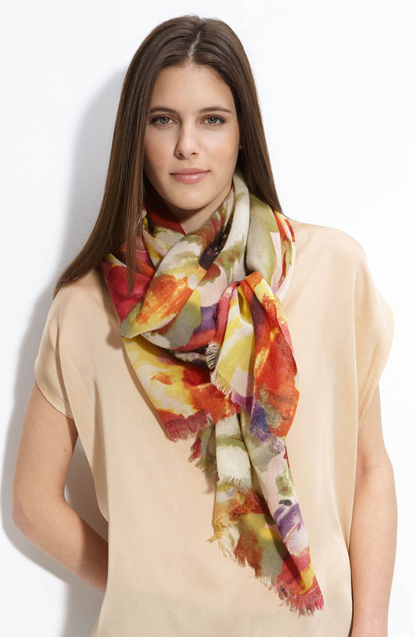 women-scarves-20111011-235 A Scarf Can Make Your Face Looks Glowing