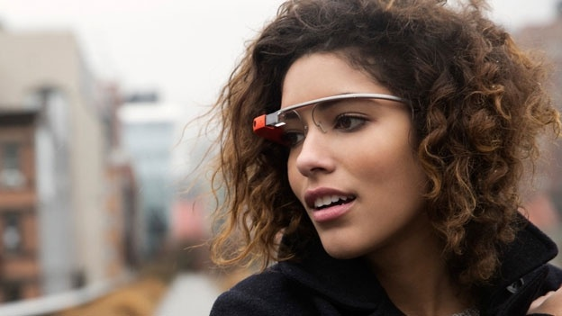 xl_Project_Glass_lifestyle Google glasses capture images with winking