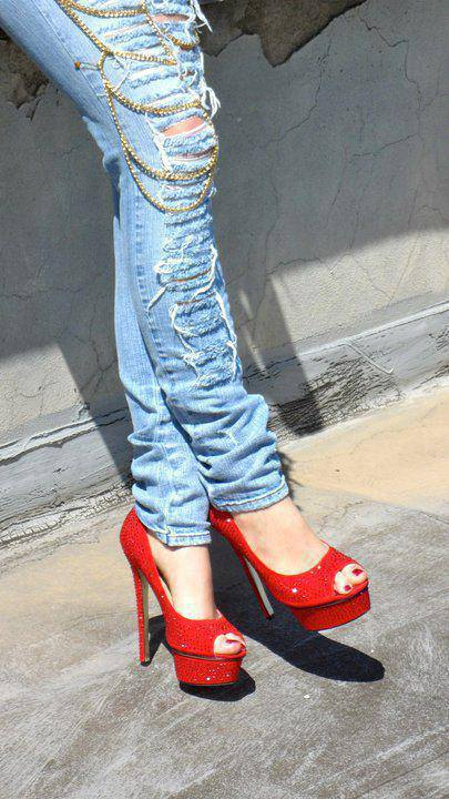 1003012_387373228030717_1270722360_n Elegant Collection Of High-Heeled Shoes For Women