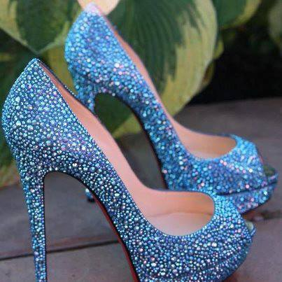 1075723_385690038199036_1961102353_n Elegant Collection Of High-Heeled Shoes For Women