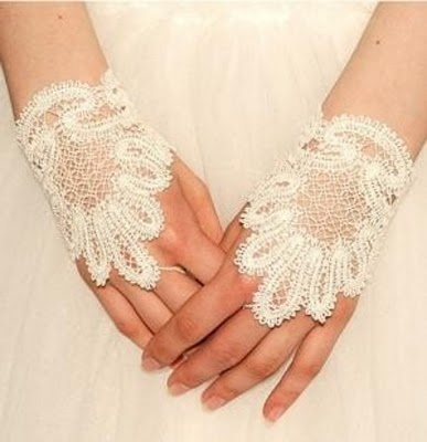 1341422557299 35 Elegant Design Of Bridal Gloves And Tips On Wearing It In Your Wedding