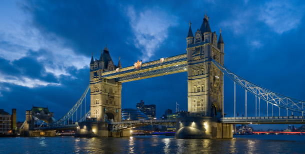 2.-Tower-Bridge 18 Most Unique Bridges Of The World