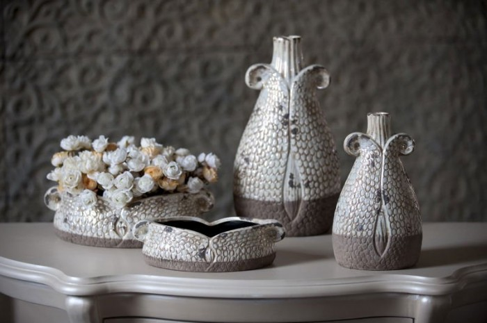 377112716_931 35 Designs Of Ceramic Vases For Your Home Decoration
