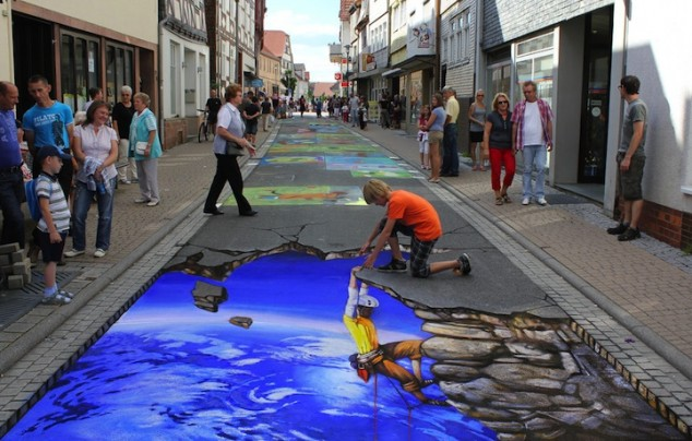 3D-Street-Art-Nikolaj-Arndt-hypenotice8-634x404 26 Most Stunning 3D Street Art Paintings