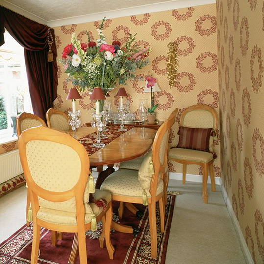 6-wallpapers-for-dining-room-Floral-wreath-wallpaper Tips On Choosing Wall Papers For Your Living Room