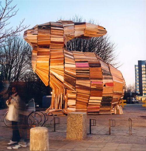 6a011570df09d5970c0133ee17753e970b-500wi 24 Amazing Wooden Installations Art