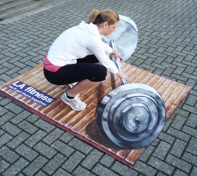 8170bdb9555e512f0c1b5b8a3343060e-634x568 26 Most Stunning 3D Street Art Paintings