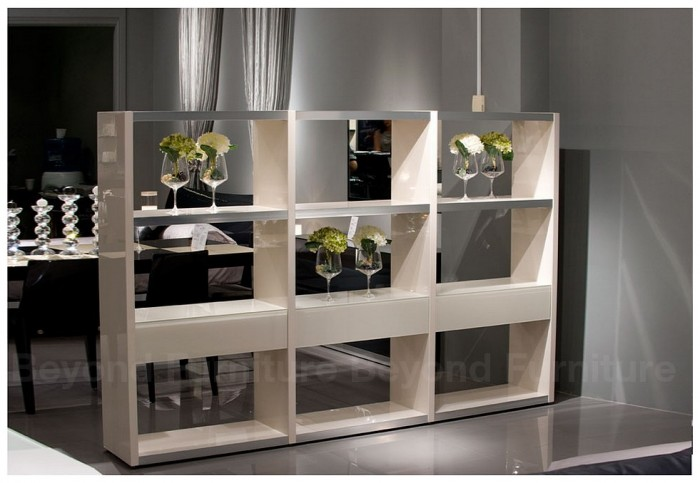 AVANTE-ROOM-DIVIDER-GLOSSY 11 Tips on Mixing Antique and Modern Décor Styles