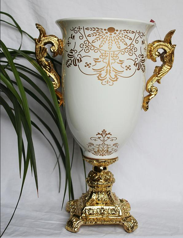 Antique-Pottery-Vase-for-Home-Decoration 35 Designs Of Ceramic Vases For Your Home Decoration