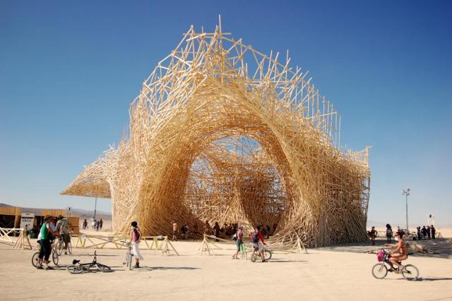 Arne-Quinze-Uchronia 24 Amazing Wooden Installations Art