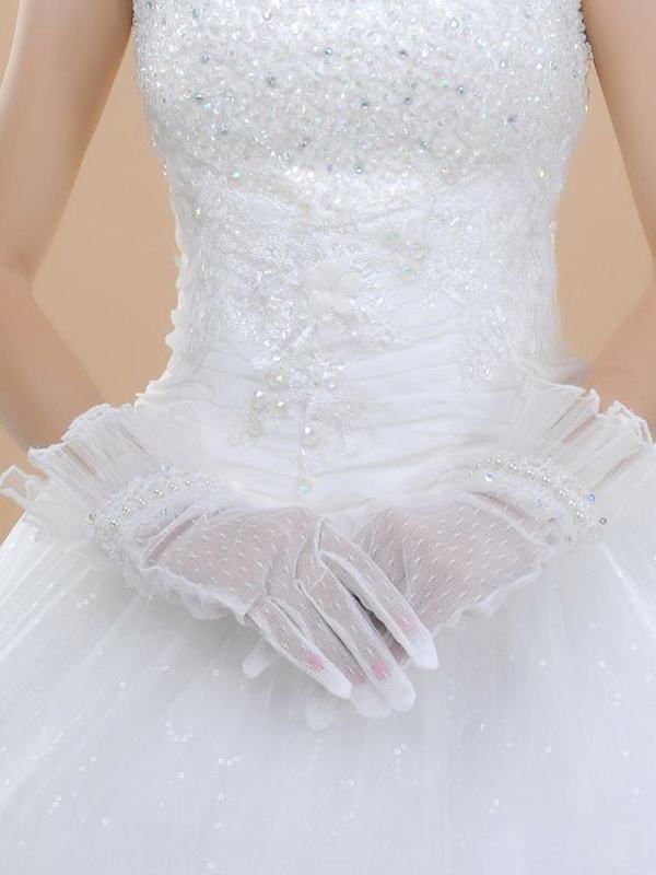 BG1009 35 Elegant Design Of Bridal Gloves And Tips On Wearing It In Your Wedding