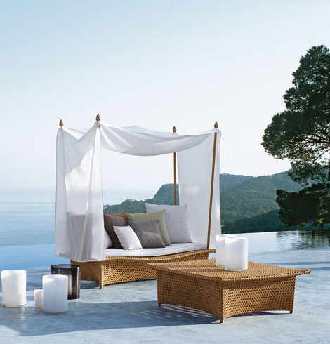 Cane-Conservatory-Furniture-Outdoor-Home-Interior-Design-Idea 32 Most Interesting Outdoor Furniture Designs