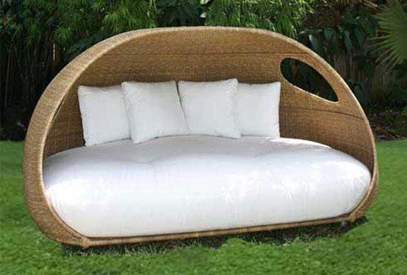 Daybed-Design-for-Enjoying-Summer4 32 Most Interesting Outdoor Furniture Designs