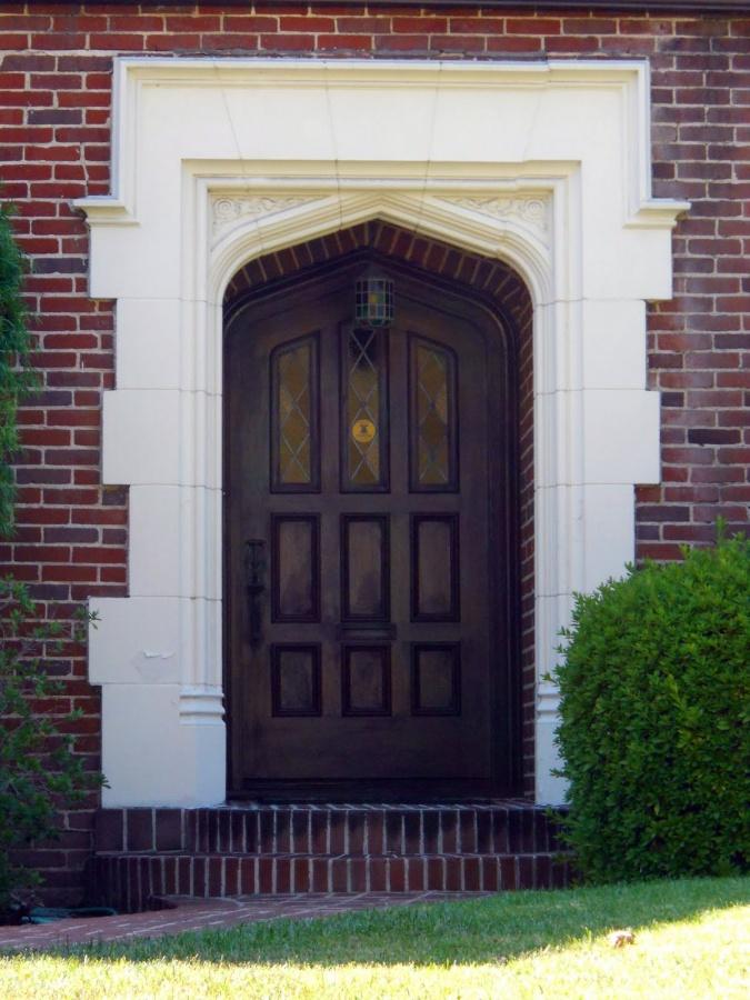Door-frame-designs-main-door-designs 23 Designs To Choose From When Deciding On A Front Door