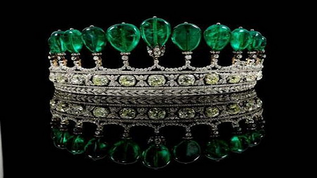Emerald-and-Diamond-Tiara Top 25 Pieces Of Most Expensive Jewelry In The World