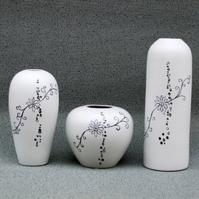 Group-of-Three-Wheelthrown-Handmade-Ceramic-Vases 35 Designs Of Ceramic Vases For Your Home Decoration