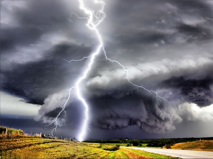 HUGE_LIGHTNING_BOLT_EMERGING_OUT_OF_FROM_A_TORNADO Emergency Message: The 4 BIG Issues You'll Need to Handle During the Coming Crisis - Family Survival Course
