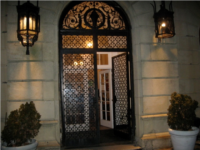 Homes-modern-entrance-doors-designs-ideas.-3 23 Designs To Choose From When Deciding On A Front Door