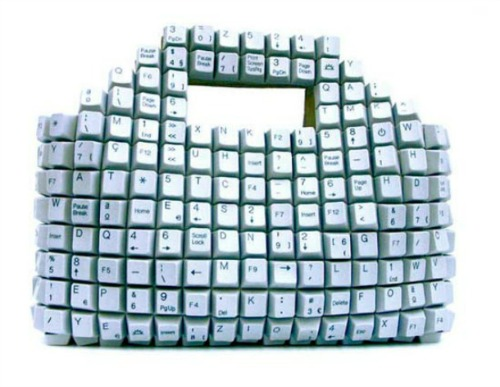 Keyboard-bag 12 Impressive Art Works Made From Recycled Materials