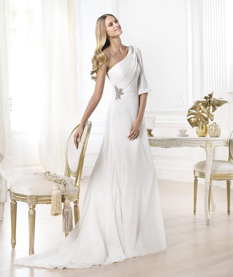LAISSA_B The 19 Most Breathtaking Bridal Dresses Of 2014