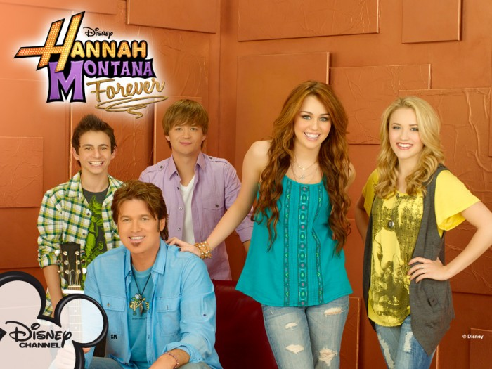 ME-hannah-montana-29960920-1024-768 Hannah Montana Is An American Teenager Who Made A Boom In The World Of Children