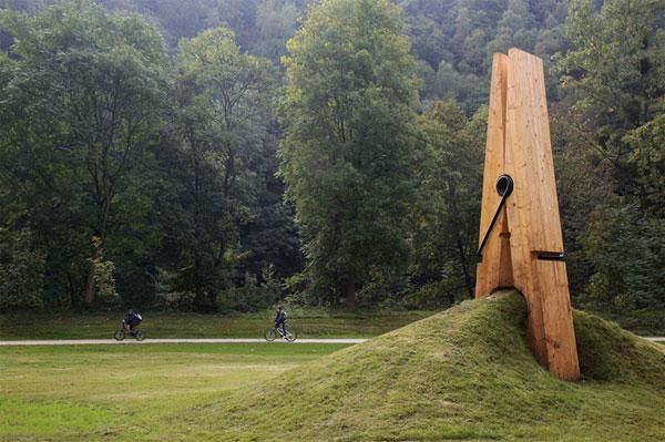 Mehmet-Ali-Uysal-clip 24 Amazing Wooden Installations Art
