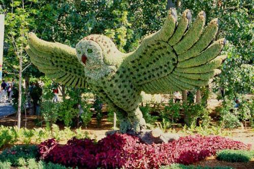 Most-Amazing-Grass-Sculptures-21 23 Remarkable Grass Sculptures