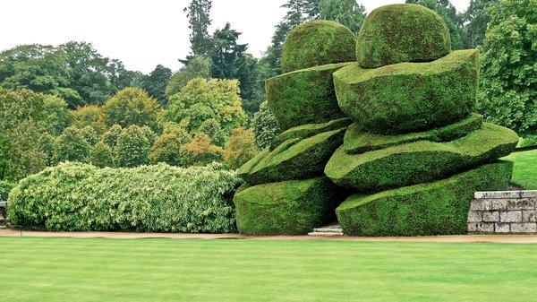 Most-Amazing-Grass-Sculptures-22 23 Remarkable Grass Sculptures