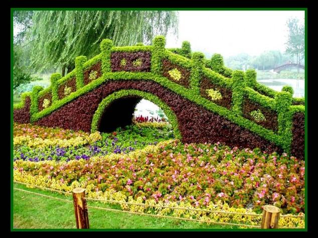 Most-Amazing-Grass-Sculptures-6-634x475 23 Remarkable Grass Sculptures