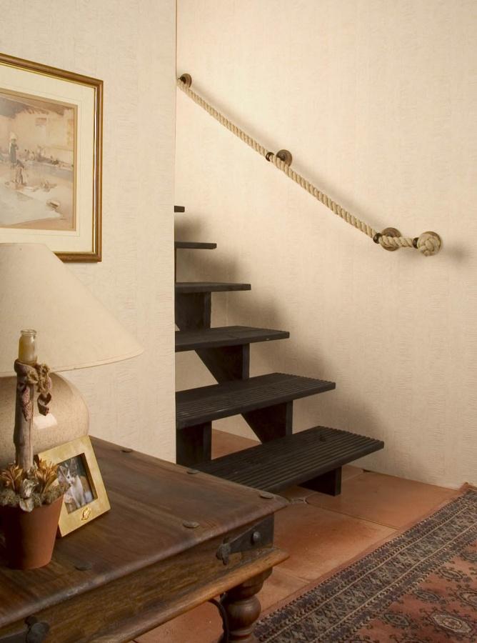Rope-Inspired-decor-for-oceanfront-houses-1 25 Creative Rope Decor Design Ideas