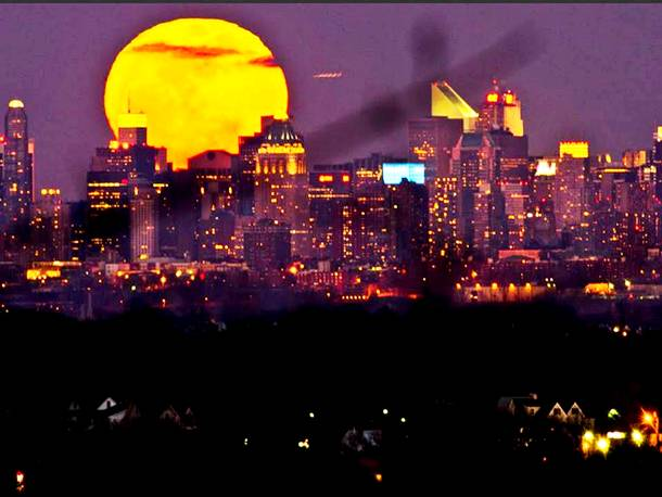 Slide1135 15 Stunning Images Of A Supermoon Taken In Different Locations