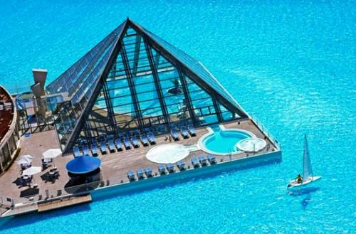Slide1216 14 Images Of The Largest Swimming Pool In The World