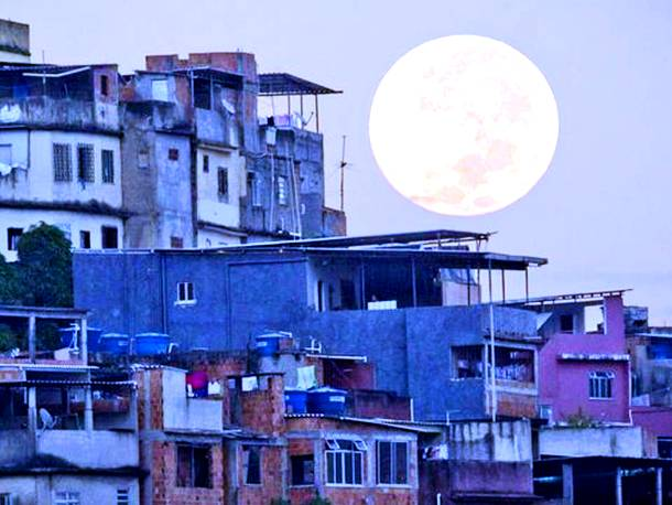 Slide1328 15 Stunning Images Of A Supermoon Taken In Different Locations