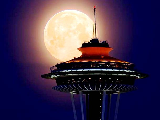 Slide1728 15 Stunning Images Of A Supermoon Taken In Different Locations