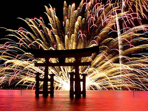 Slide212 22 Most Marvelous Displays Of Fireworks From Around The World