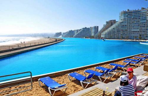 Slide2314 14 Images Of The Largest Swimming Pool In The World