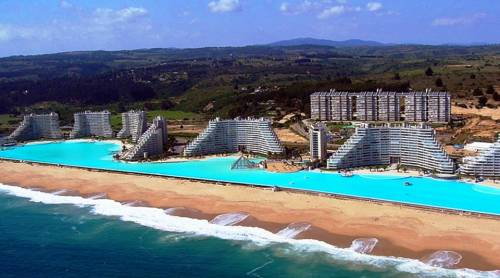 Slide314 14 Images Of The Largest Swimming Pool In The World