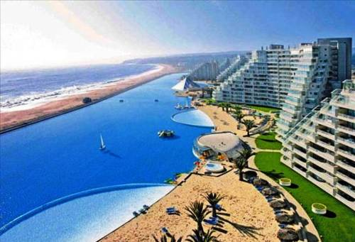 Slide414 14 Images Of The Largest Swimming Pool In The World