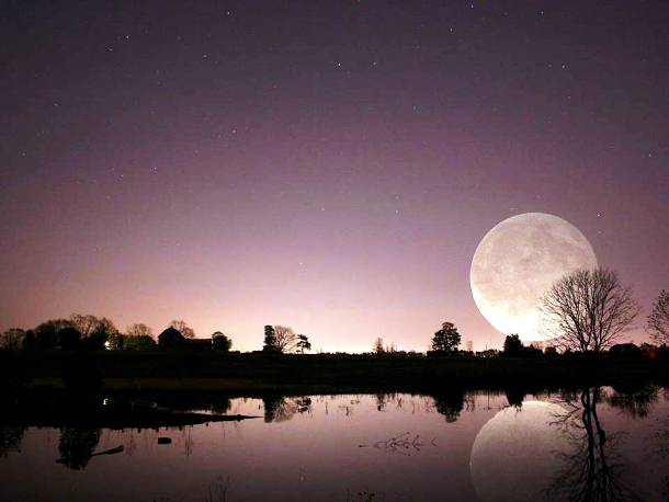 Slide727 15 Stunning Images Of A Supermoon Taken In Different Locations
