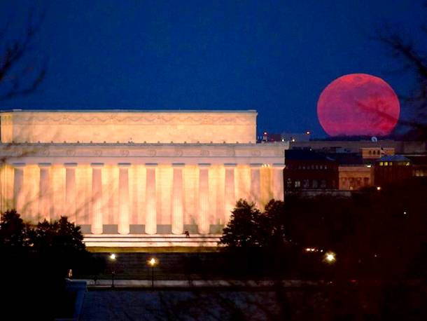 Slide927 15 Stunning Images Of A Supermoon Taken In Different Locations