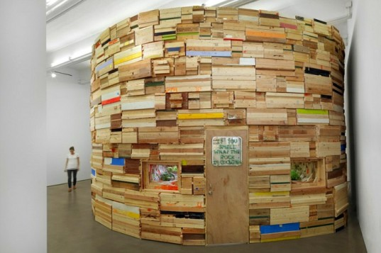 Wood-and-Cardboard-Sculptures-Phoebe-Washburn-1-537x357 24 Amazing Wooden Installations Art