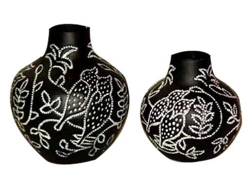 aluminium-flower-vase-04-916393 35 Designs Of Ceramic Vases For Your Home Decoration
