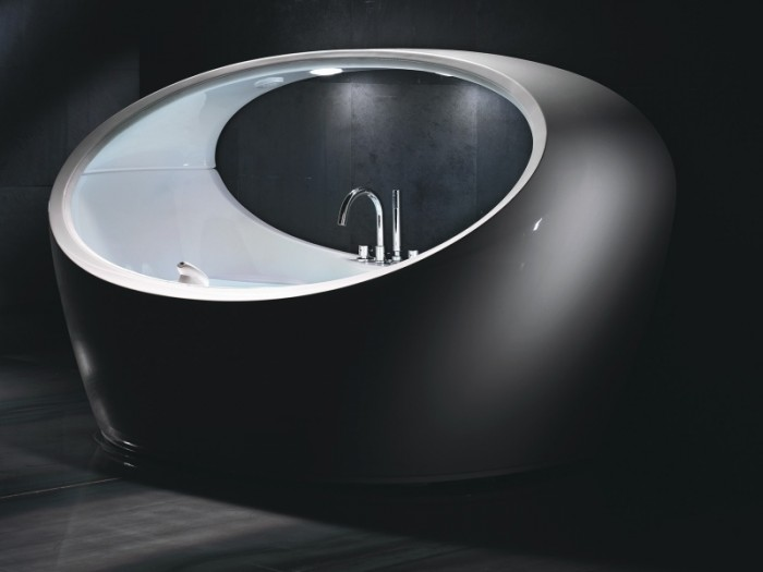 bath-luxury-3 25 Creative and Unique Bathtubs for an Elegant Bathroom