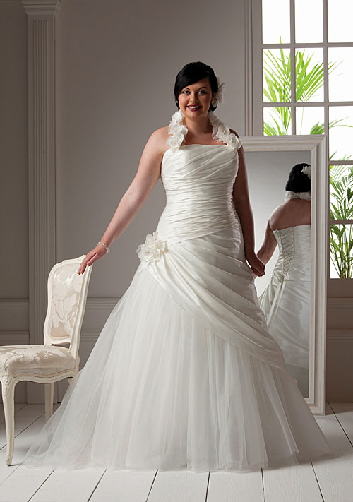 bb12837_mg_7232cmyk Tips To Choose The Perfect Plus Size Bridal Dress...